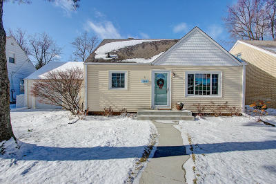 Milwaukee Single Family Home For Sale: 3919 N 82nd St