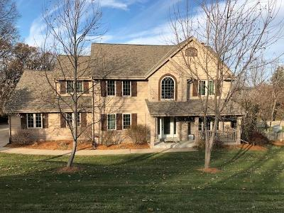 Pewaukee Single Family Home Active Contingent With Offer: N12w27340 Springhill Dr