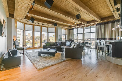 Milwaukee Condo/Townhouse Active Contingent With Offer: 541 E Erie St #302