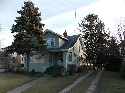 Fort Atkinson WI Single Family Home For Sale: $175,900