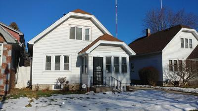 Milwaukee Single Family Home For Sale: 1810 W Fairmount Ave