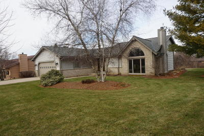 Muskego Single Family Home For Sale: S79w17336 Scenic Dr