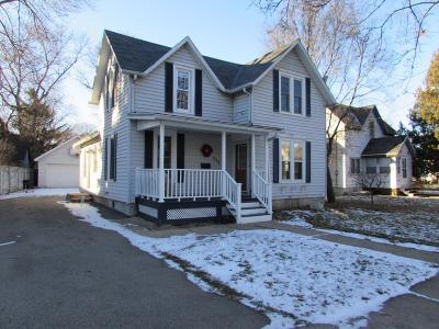 Fort Atkinson WI Single Family Home For Sale: $157,500