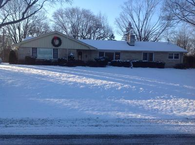 Brookfield Single Family Home Active Contingent With Offer: 2505 Memorial Dr