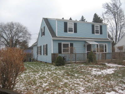 Ozaukee County Single Family Home Active Contingent With Offer: 1102 4th Ave