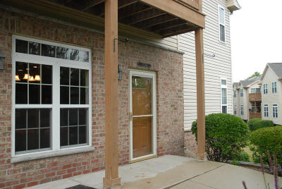 New Berlin Condo/Townhouse For Sale: 17736 W Jacobs Dr