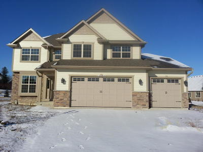 Muskego Single Family Home For Sale: W125s9565 Weatherwood Cir