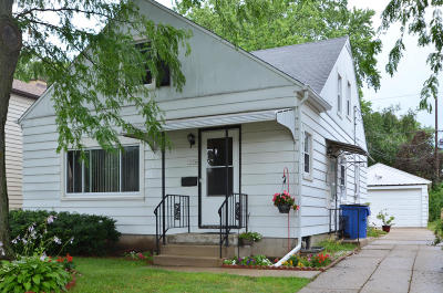 Whitefish Bay Single Family Home For Sale: 5106 N Lydell Ave