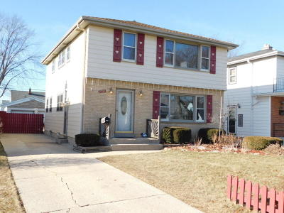 Milwaukee WI Single Family Home For Sale: $225,000