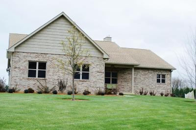 Racine Single Family Home For Sale: 3315 Foxwood Rd