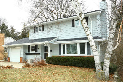 Waukesha Single Family Home Active Contingent With Offer: 1306 Garfield Ave