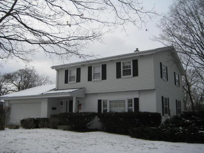 Greendale Single Family Home Active Contingent With Offer: 4970 Saxony Ln