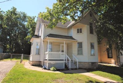 Waukesha WI Single Family Home For Sale: $129,900