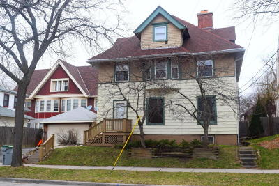 Milwaukee WI Two Family Home For Sale: $259,900