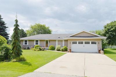 Pleasant Prairie Single Family Home Active Contingent With Offer: 11233 84th St
