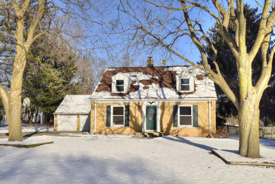 Brookfield Single Family Home Active Contingent With Offer: 13650 Tremont St