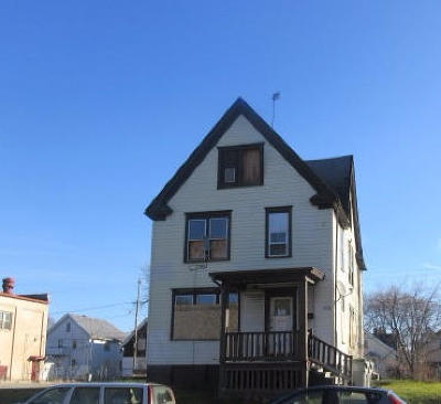 Milwaukee Single Family Home For Sale: 2958 N 27th St