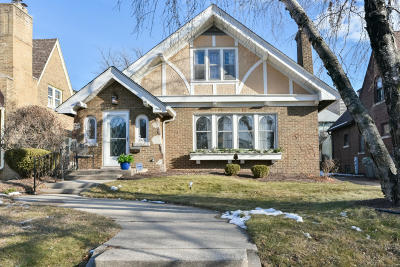 Milwaukee Single Family Home Active Contingent With Offer: 3408 N Murray Ave