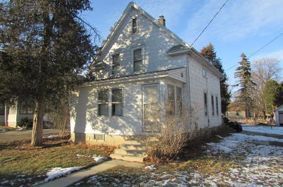 Menomonee Falls Single Family Home Active Contingent With Offer: N90w16716 Roosevelt Dr