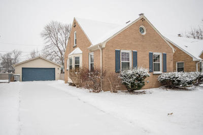Milwaukee Single Family Home For Sale: 411 N 66th St