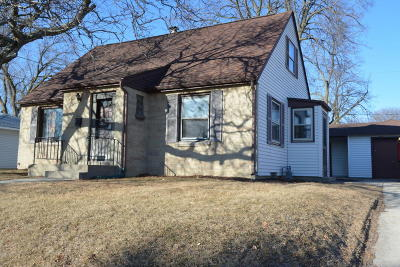 South Milwaukee Single Family Home For Sale: 816 Manistique Ave