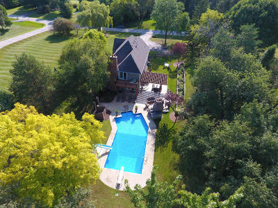 Waukesha Single Family Home Active Contingent With Offer: N10w29191 Cathedral Ct