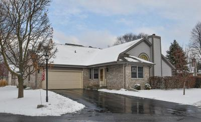 Waukesha Condo/Townhouse For Sale: 1903 Springbrook N #D