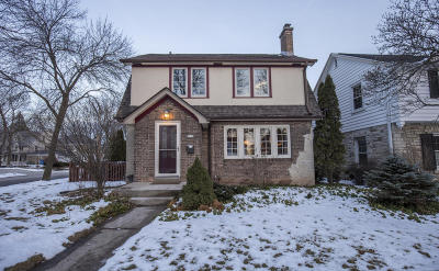 Whitefish Bay Single Family Home For Sale: 5074 N Woodburn St