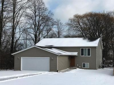 Pleasant Prairie Single Family Home For Sale: 10379 Sheridan Rd
