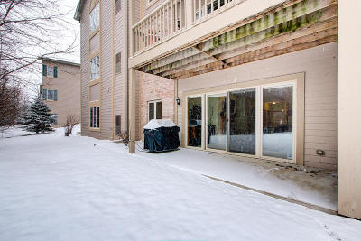 Waukesha Condo/Townhouse For Sale: 1400 Gabriel #2