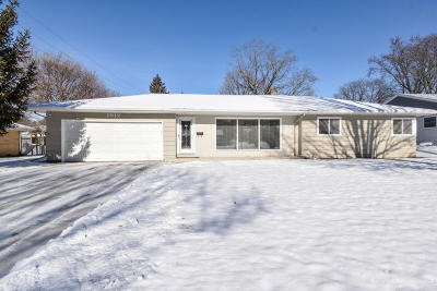 Waukesha Single Family Home For Sale: 1012 E Wabash Ave