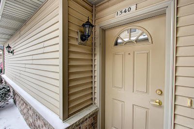 Grafton Condo/Townhouse For Sale: 1540 Iroquois Ave