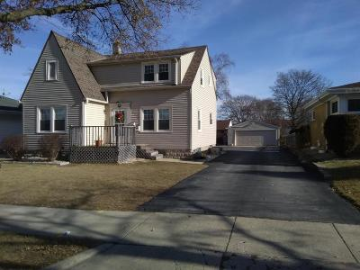 Milwaukee Two Family Home For Sale: 4758 S 25th Street