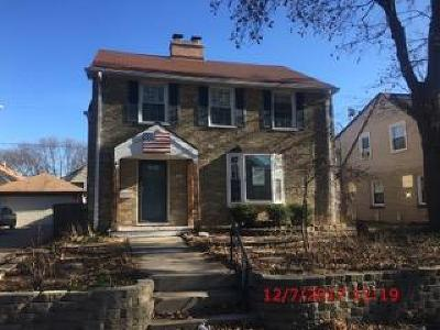 Milwaukee Single Family Home For Sale: 3266 N 49th St
