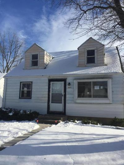 Milwaukee Single Family Home For Sale: 5400 N 52nd Street