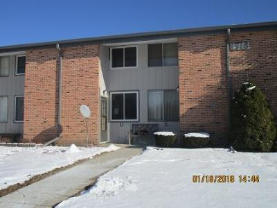 Waukesha Condo/Townhouse For Sale: 1518 Big Bend Road #D