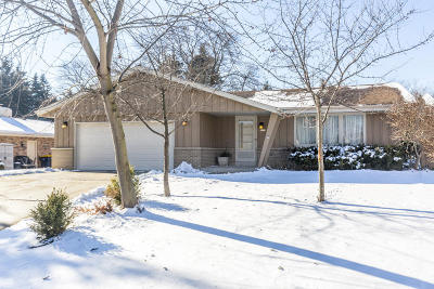 West Allis Single Family Home For Sale: 3333 S 123rd St
