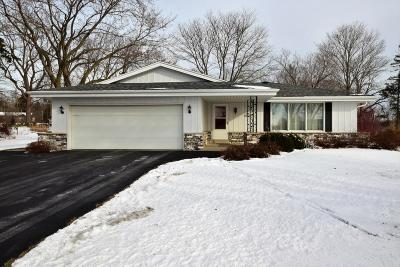 Muskego Single Family Home Active Contingent With Offer: S77w22110 Eleanor Ct