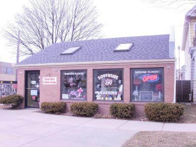 Milwaukee Commercial For Sale: 1576 W Oklahoma Av