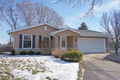 Greenfield Single Family Home Active Contingent With Offer: 4156 S 99th St