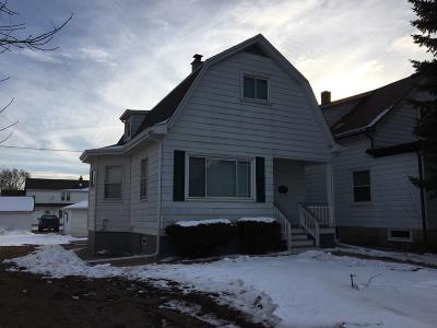 South Milwaukee Single Family Home For Sale: 427 Montana Ave