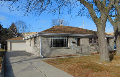 Milwaukee Single Family Home For Sale: 4409 S 15th St