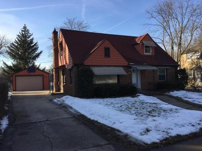 Milwaukee Single Family Home For Sale: 4925 N 73rd St