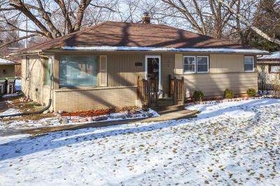 Milwaukee Single Family Home For Sale: 7615 N Delta Pl