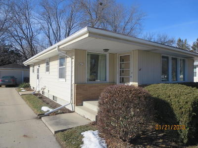 Single Family Home For Sale: 5435 S 115th St