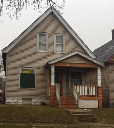 Milwaukee Single Family Home For Sale: 3144 N 25th Street