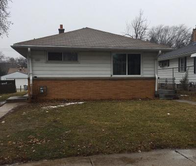 Milwaukee Single Family Home For Sale: 5921 N 65th Street