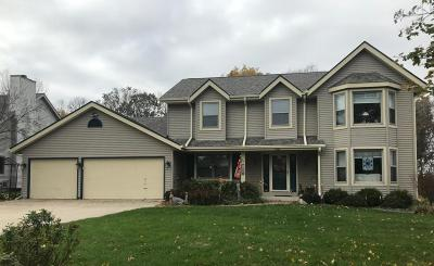 Racine County Single Family Home Active Contingent With Offer: 7126 Joy Marie Ln