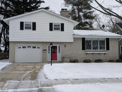 Washington County Single Family Home Active Contingent With Offer: 927 Sunset Dr