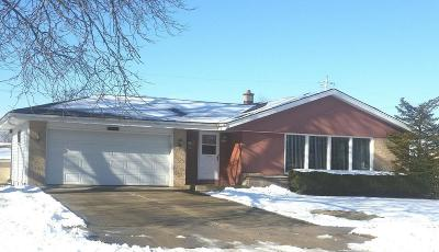 Ozaukee County Single Family Home Active Contingent With Offer: 1674 S Pine St